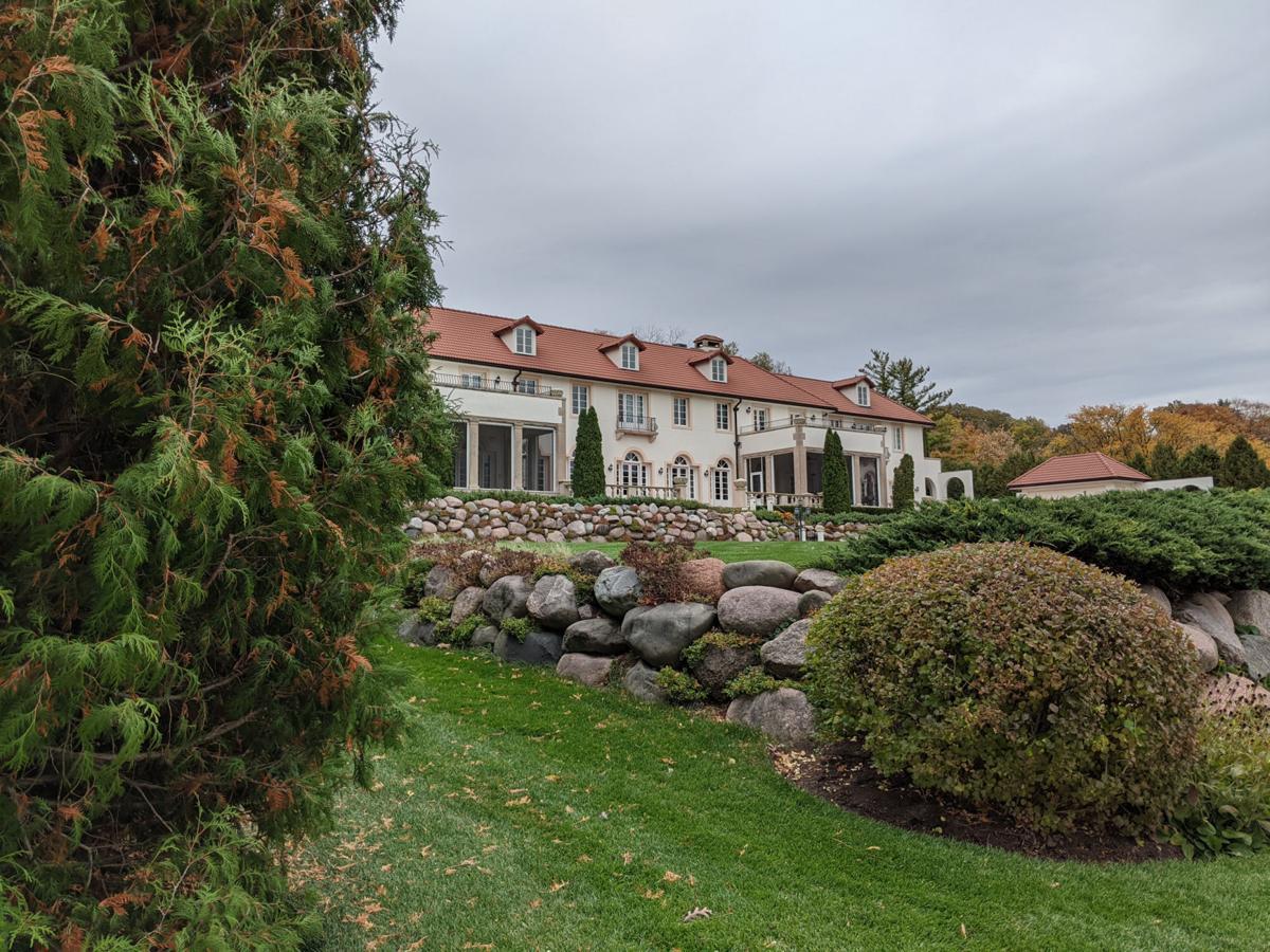 Lake Geneva path and Alta Vista mansion.jpg