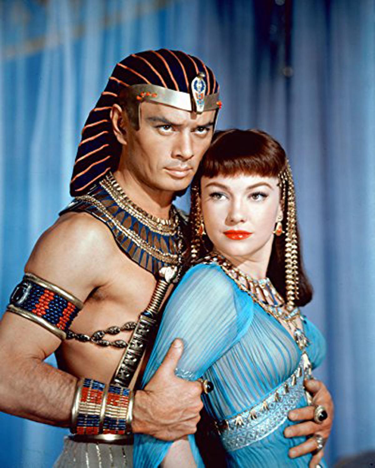 Yul Brynner and Anne Baxter Ten Commandments