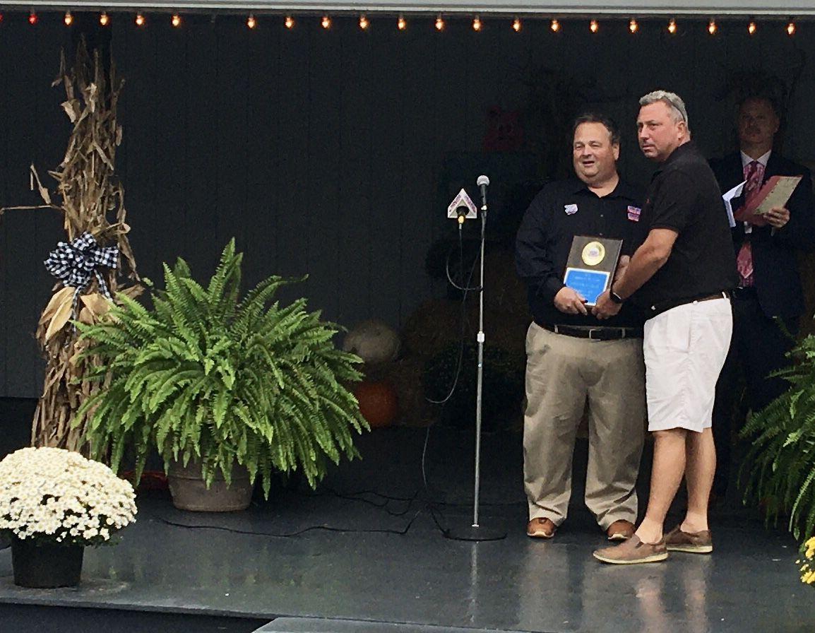 Hargis Gets Award