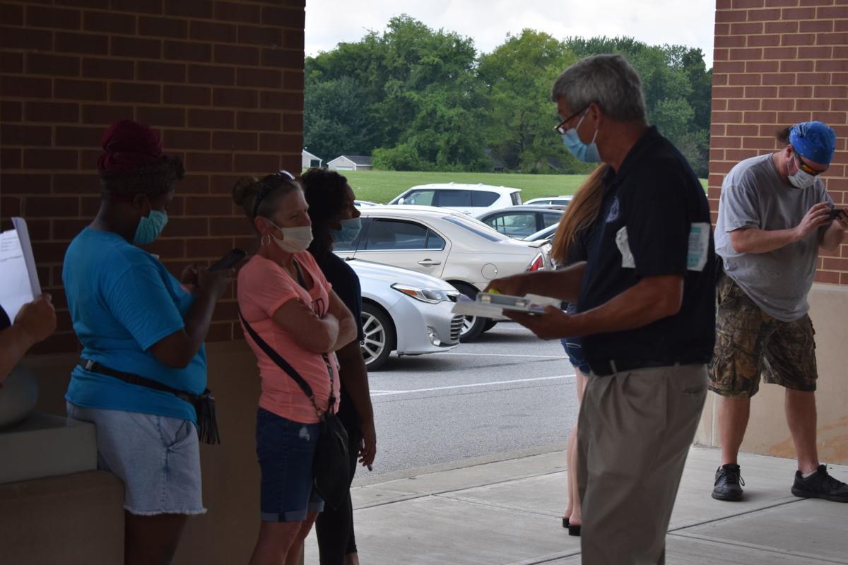 Citizens seek unemployment help at Hopkinsville site
