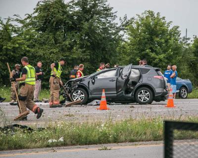 Police pursuit ends in crash