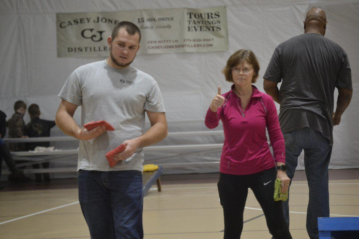 Flingin' Fest marked a success Sportsplex cornhole tournament draws amateur, professional teams