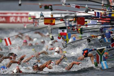 Photo finish decides 10k open water race at world titles