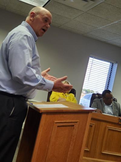 School board updates Oak Grove on future school plans