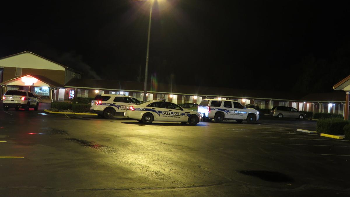 Police: Man cut with glass bottle in fight