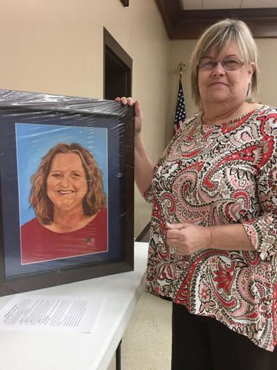 Memorial to late clerk to be displayed in courthouse
