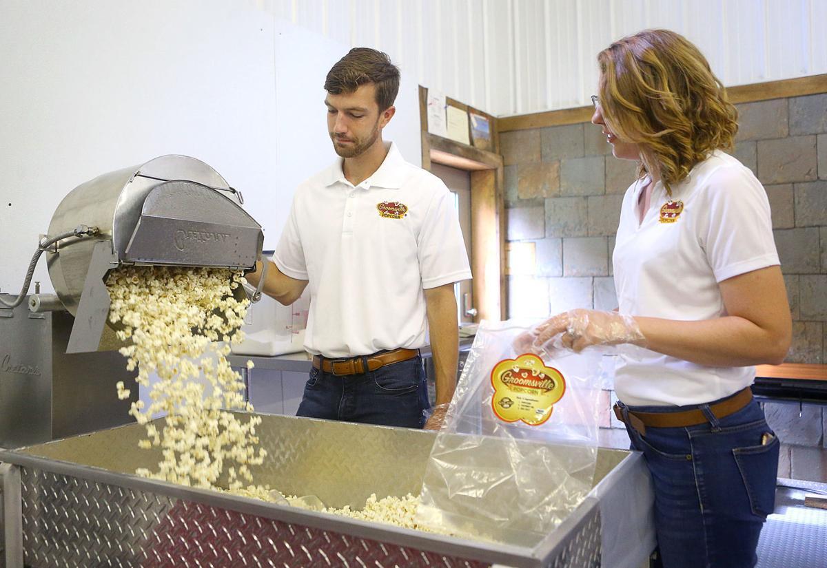 Groomsville Popcorn 05.jpg