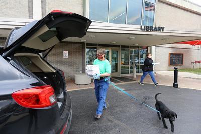 Library Curbside Pickup 01.jpg