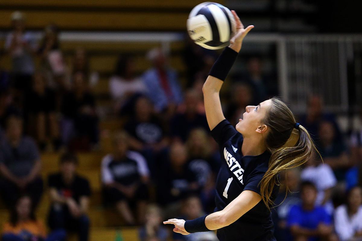 Volleyball WHS vs Cass HS 01.jpg