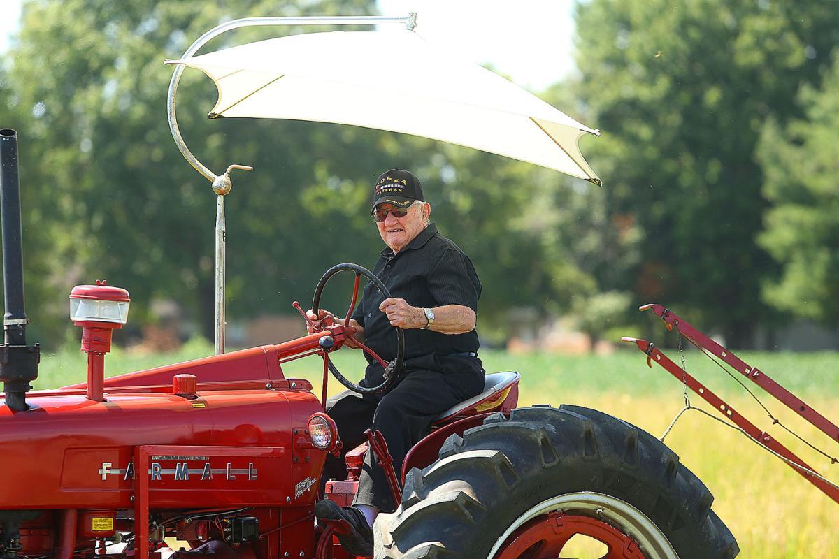 Tractor show 05.jpg