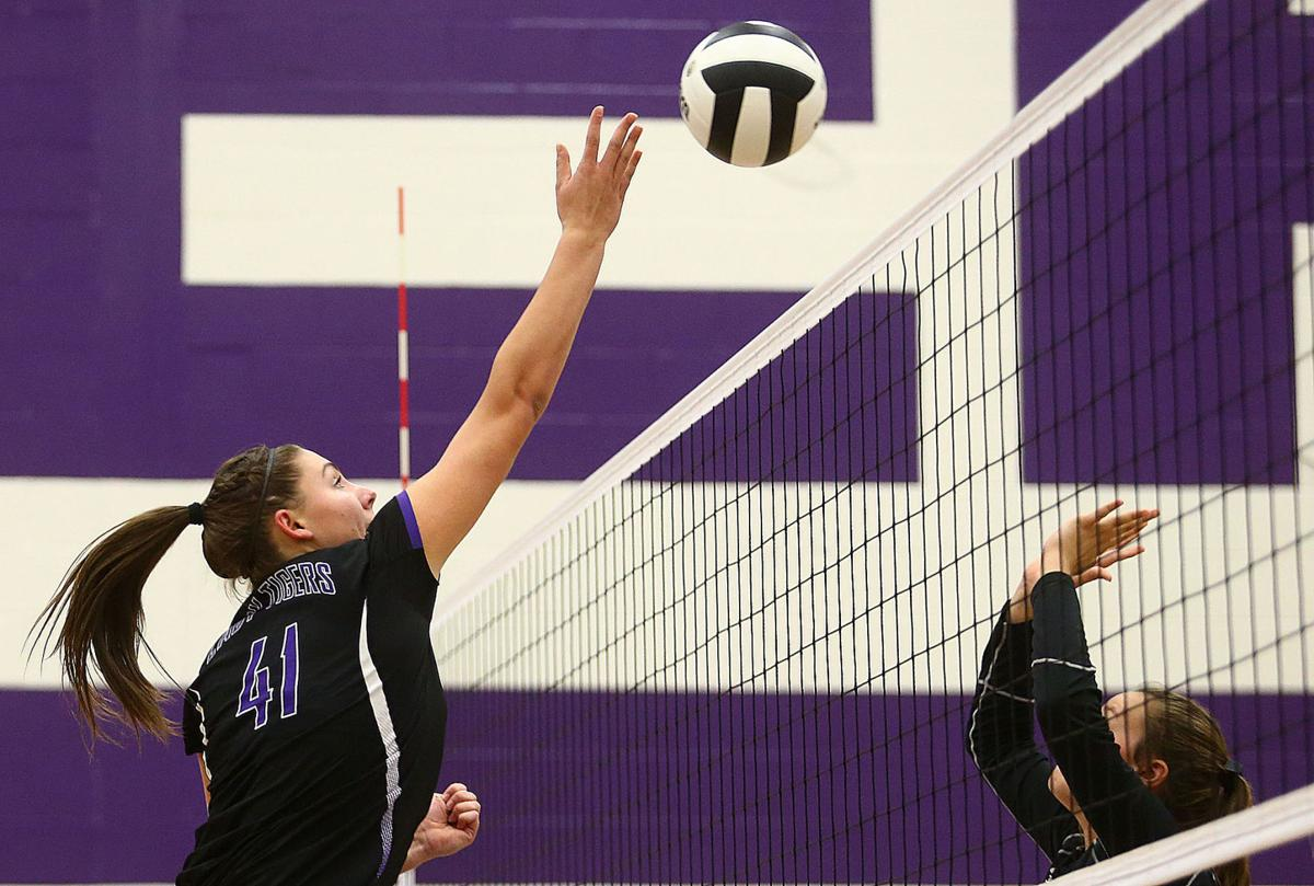 VOLLEYBALL: NW makes it 14 straight | Sports ...