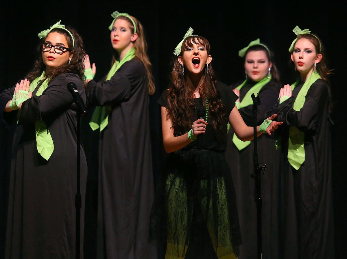 Taylor Show Choir 02.jpg