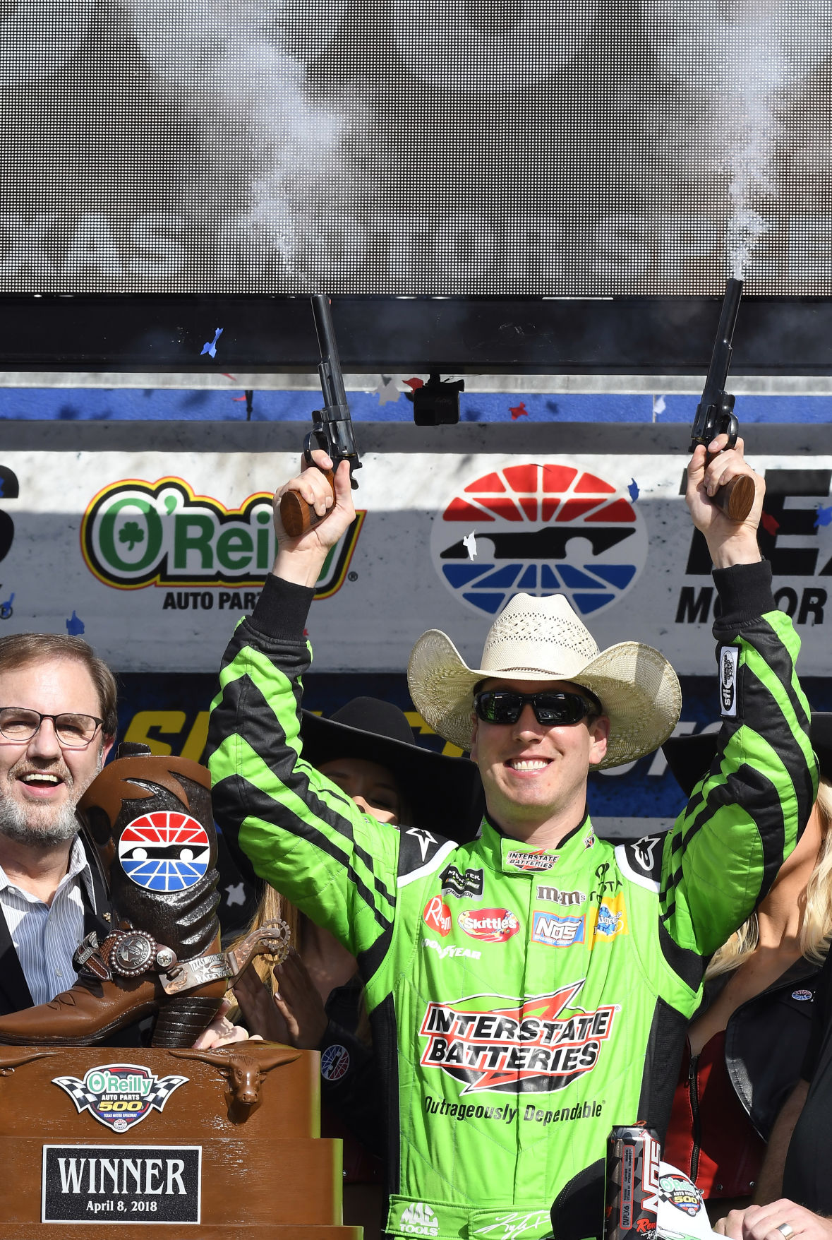 Kyle Busch wins at Texas for 1st victory of year   Sports ...
