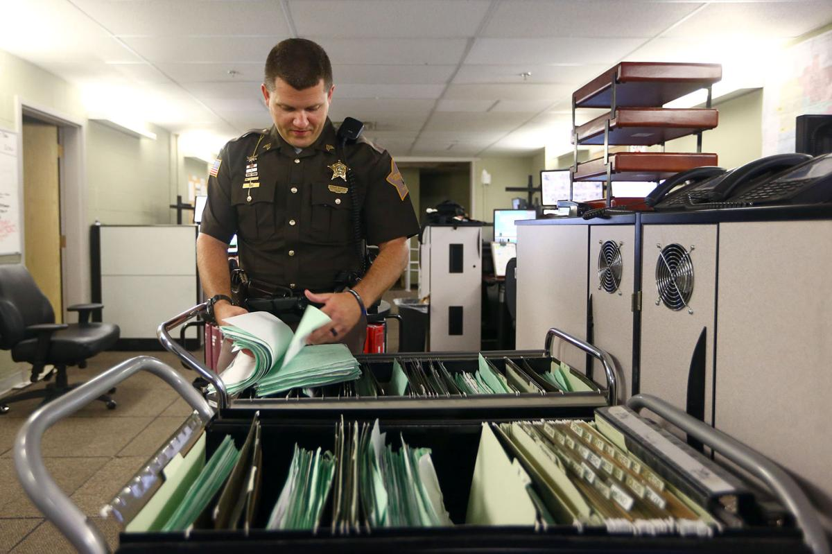 Sheriff's department struggles to keep up with arrest warrants | News