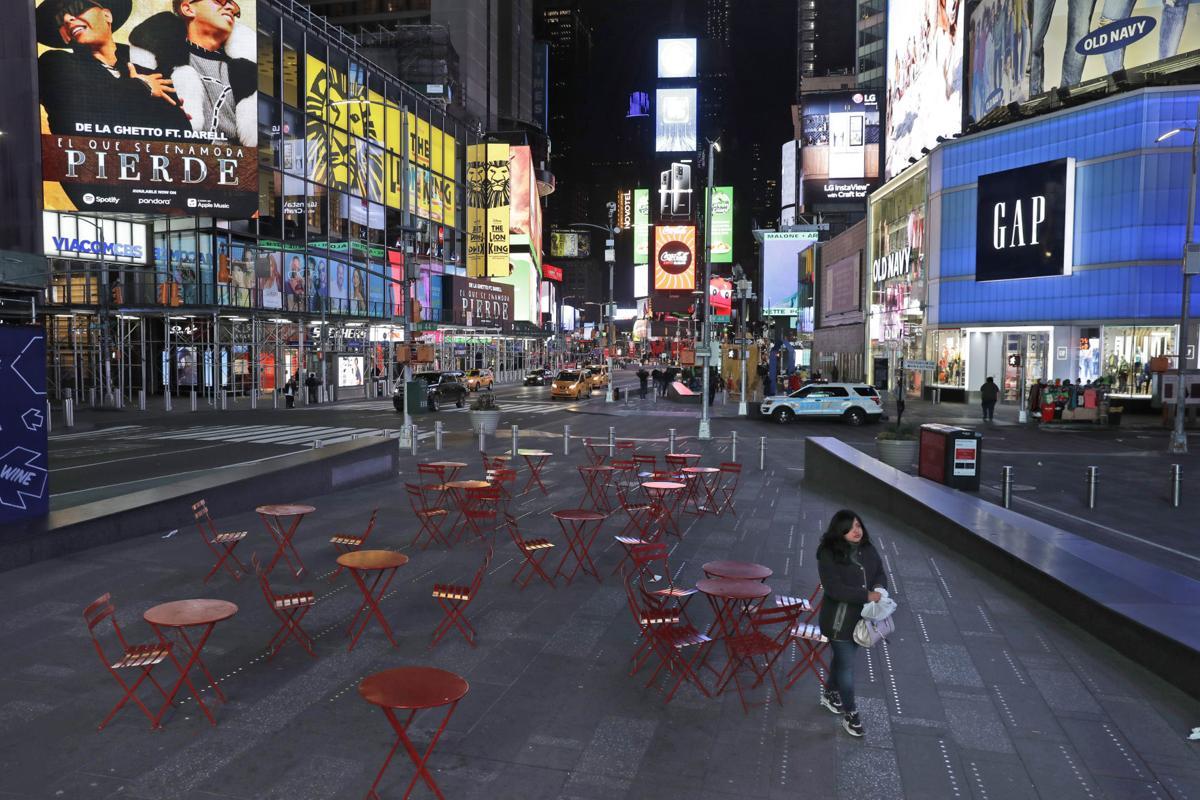 Virus Outbreak Empty Landmarks Photo Gallery