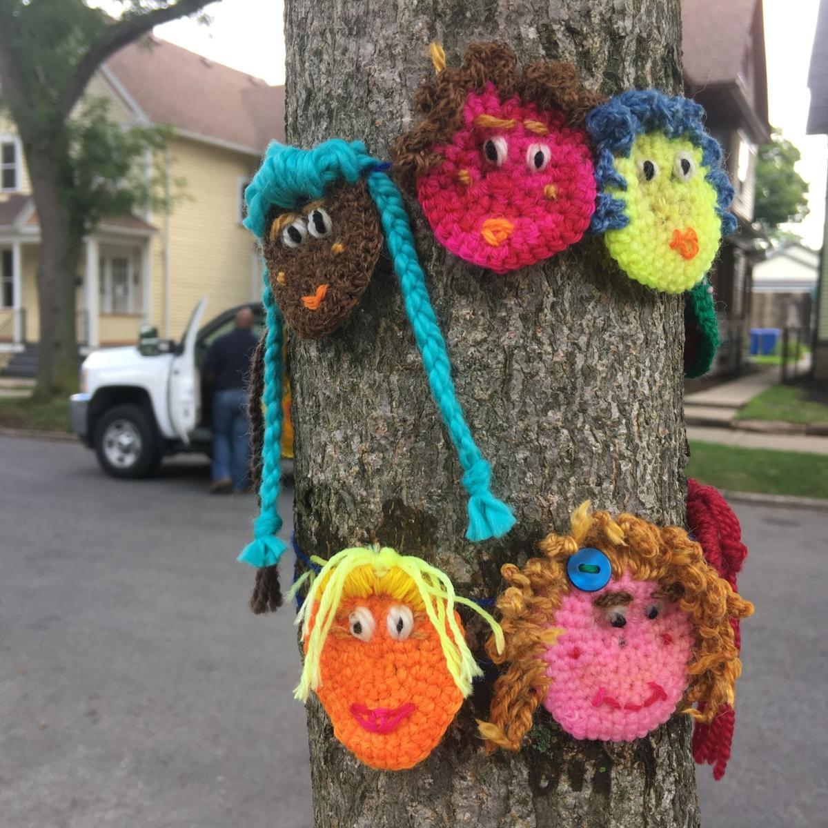 Crafts Yarn Bombers