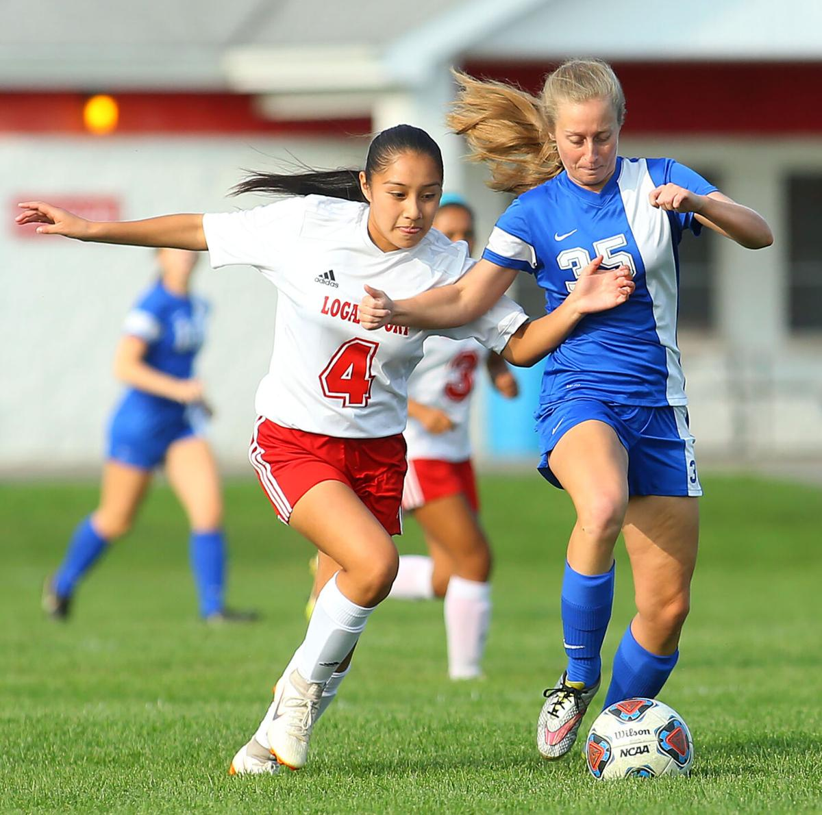 KHS vs LGN girls soccer 01.jpg