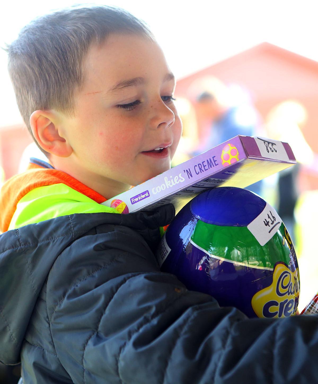 Youth Easter Egg Hunt 05.jpg