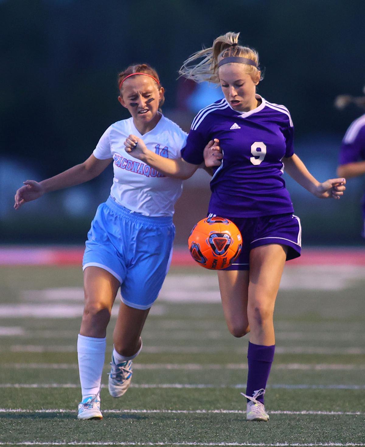 NW vs Mac girls sectional soccer 01.jpg