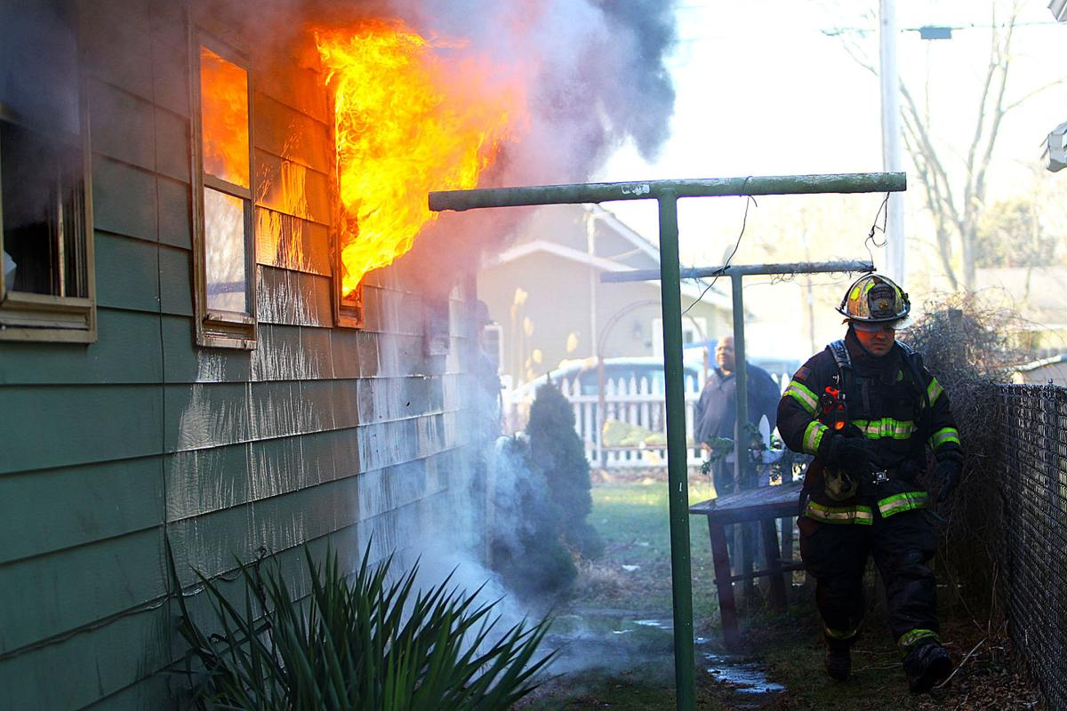 Locke Streeet Fire 05.jpg