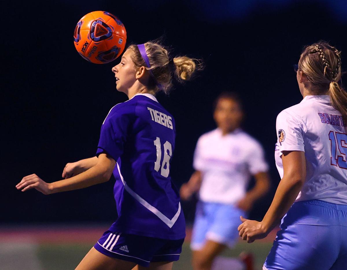 NW vs Mac girls sectional soccer 08.jpg