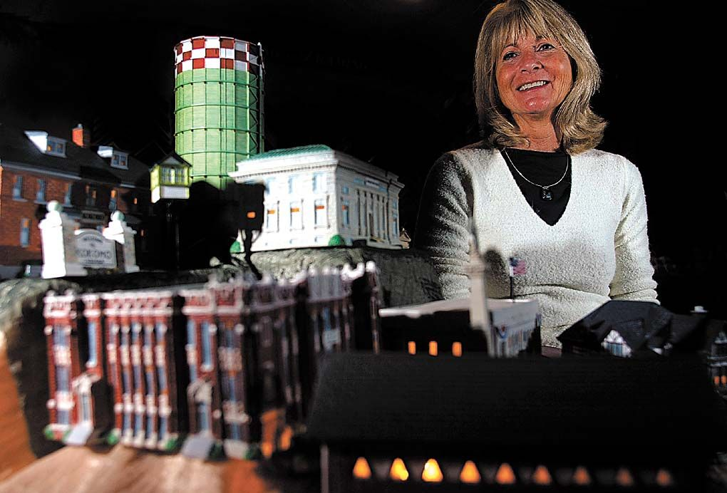 patti host miniature landmarks
