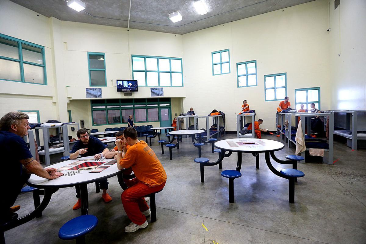 Jail overcrowding 03.jpg
