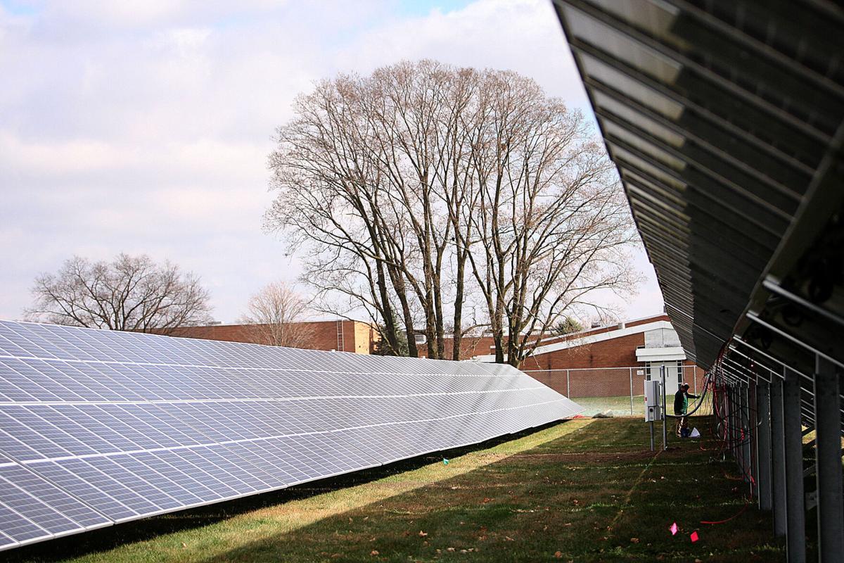 Solar at Maple Crest ES 01.jpg