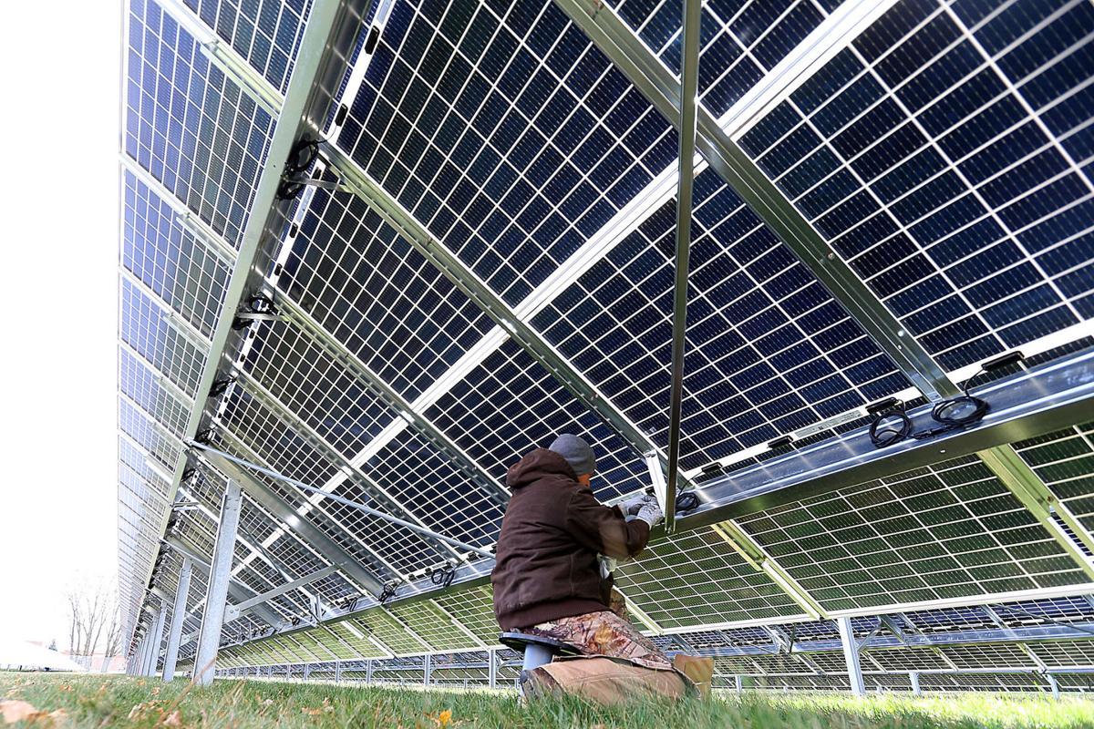 Solar at Maple Crest ES 03.jpg