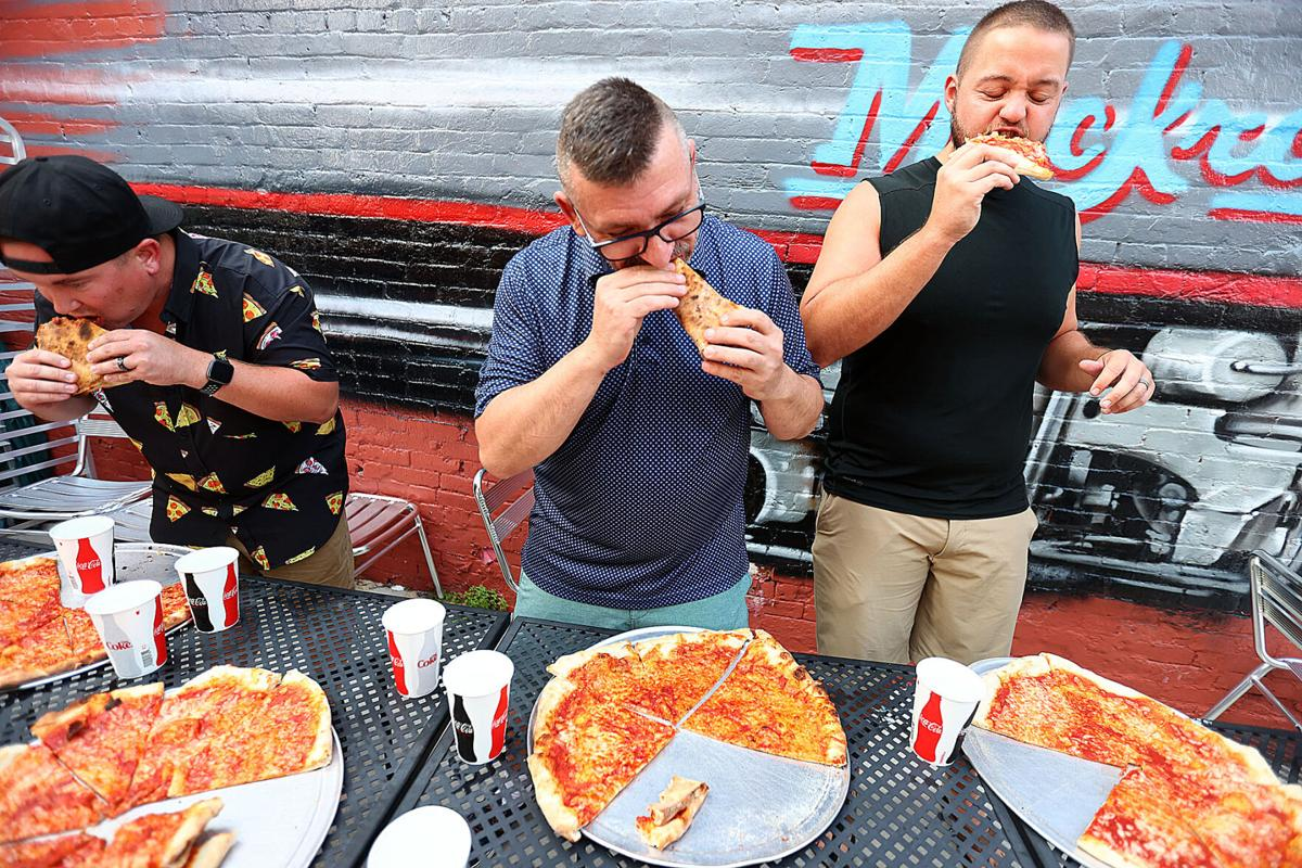 Pizza Eating Contest 01.jpg