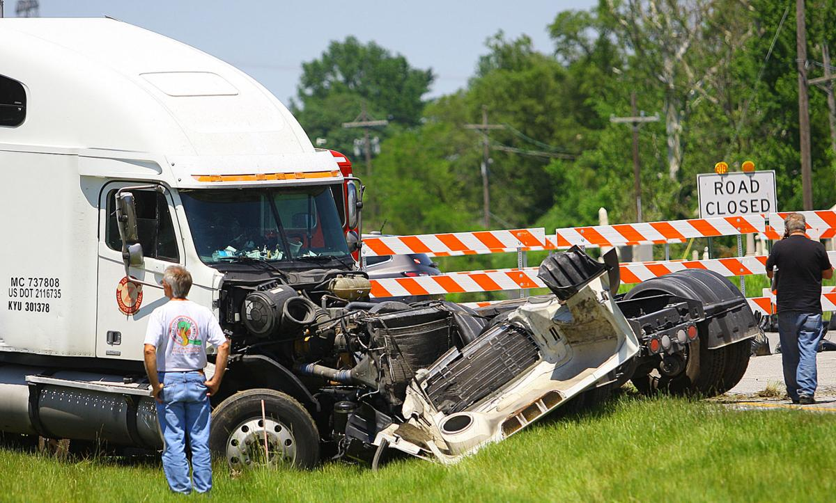 Kokomo man killed in truck, semi accident | Police and Fire