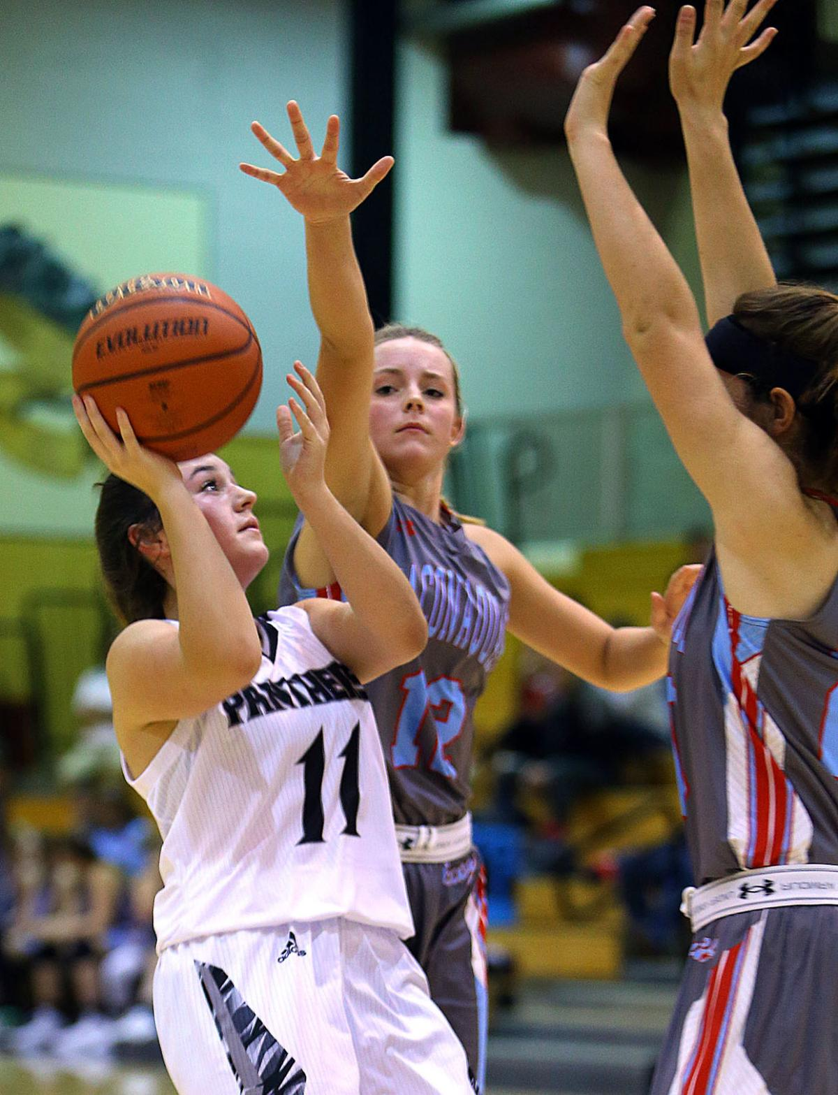 WHS vs MacHS Basketball Girls 19.jpg