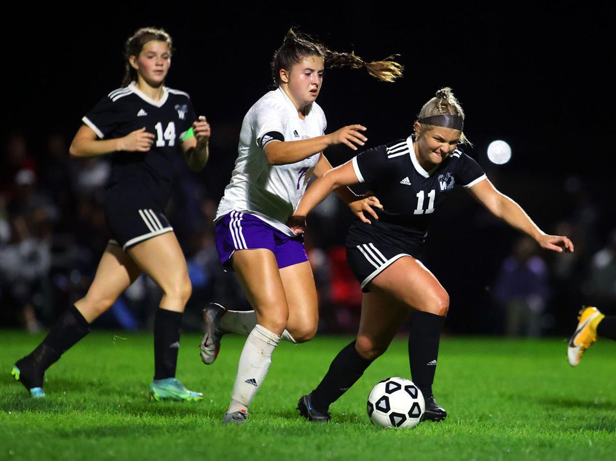 WHS vs Leo soccer regional 13.jpg