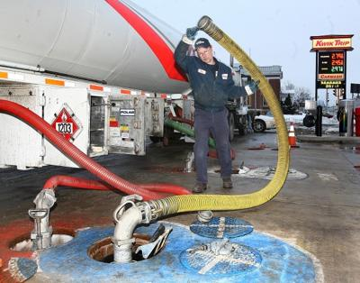 Truckers make last leg of gasoline's journey to pumps | Local