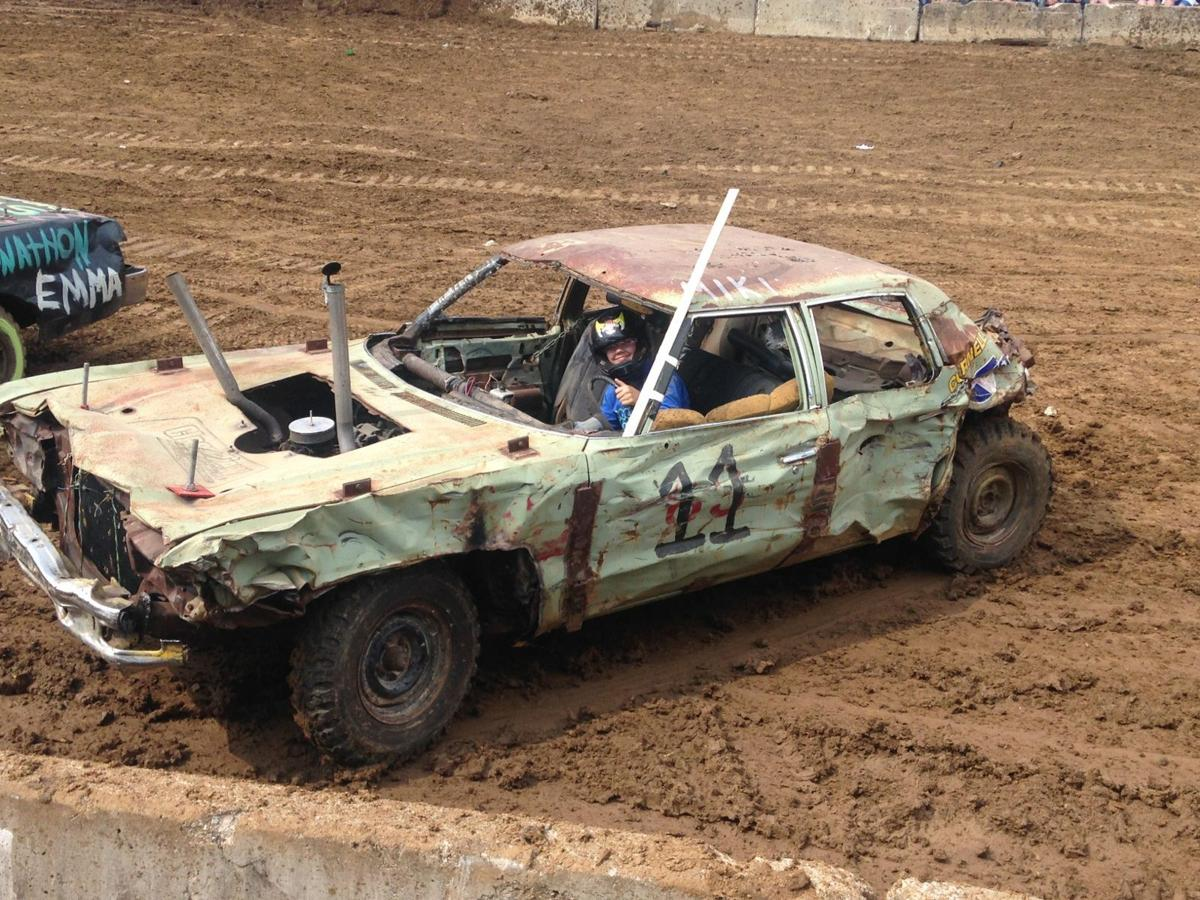 Demo Derby Revs Up Crowd With Power Destruction Jackson County Chronicle Lacrossetribune Com