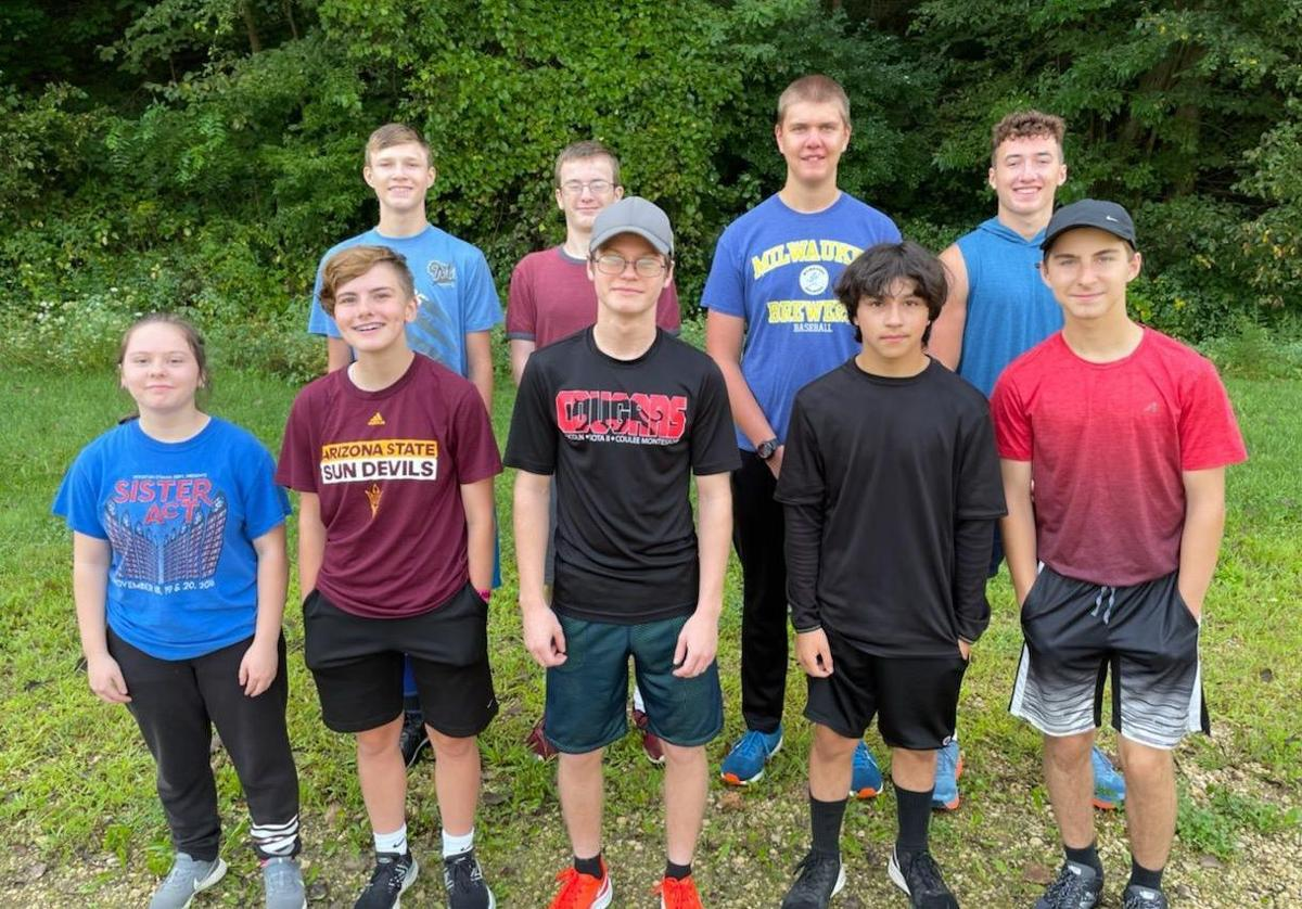 2021 De Soto High School cross country team