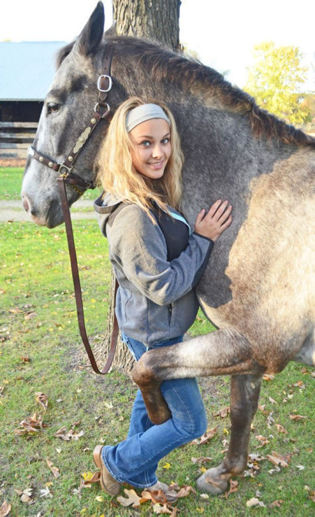 Horses Change Lives Of 2 Portage High School Girls  Local -8438
