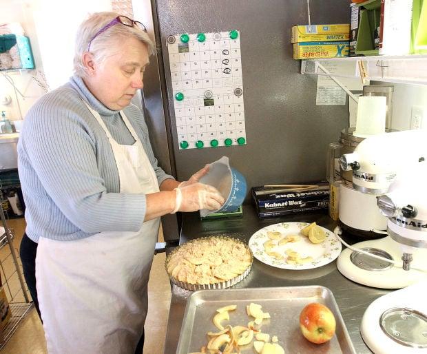 041314-lt-fea-biz-bakery-2