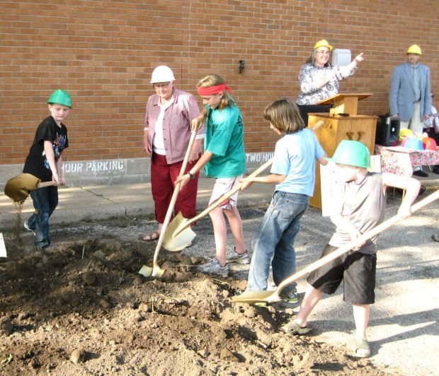 Ground breaking for new library in Viroqua