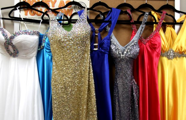 Uw L Event Lets Students Sell Prom Dresses Local Lacrossetribunecom
