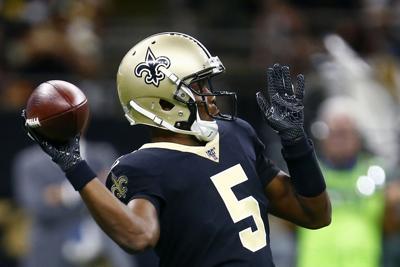 Teddy Bridgewater throws, AP photo