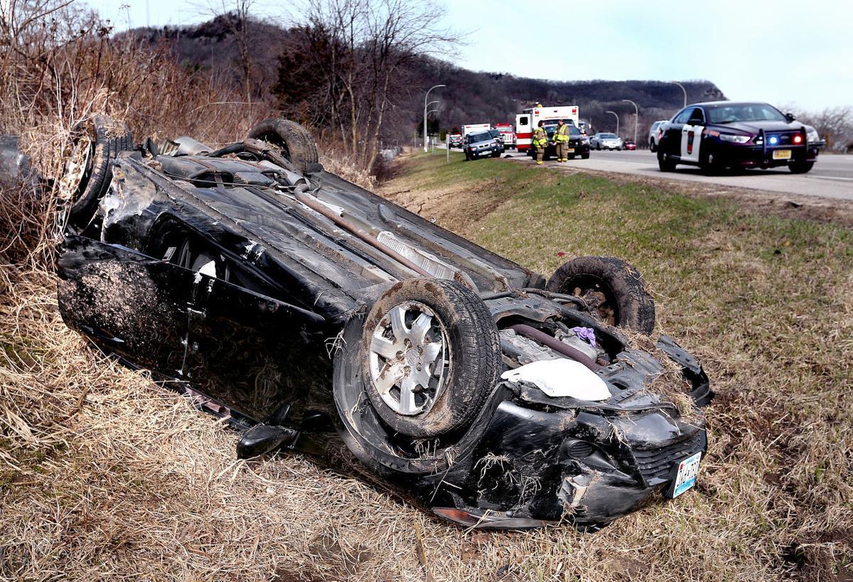 1 seriously injured in semi dump truck crash monday on i 90 near la crescent local. Black Bedroom Furniture Sets. Home Design Ideas