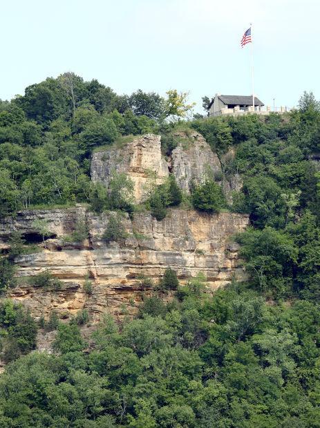 Hometown Icon: Grandad Bluff