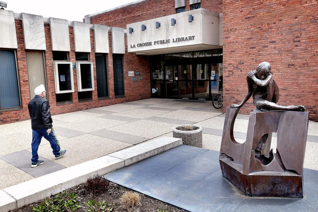 La Crosse Public Library director to retire this summer