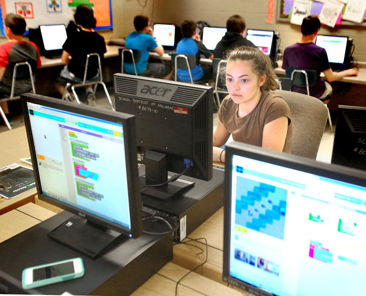 Holmen Middle Schoolers Are Breaking The Code Of Making The Code