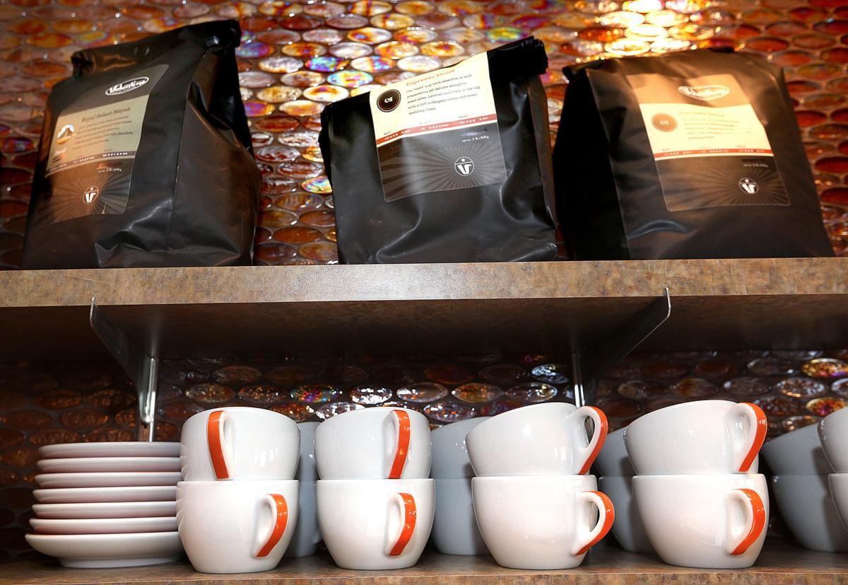 Uptoene Cafe & Bakery