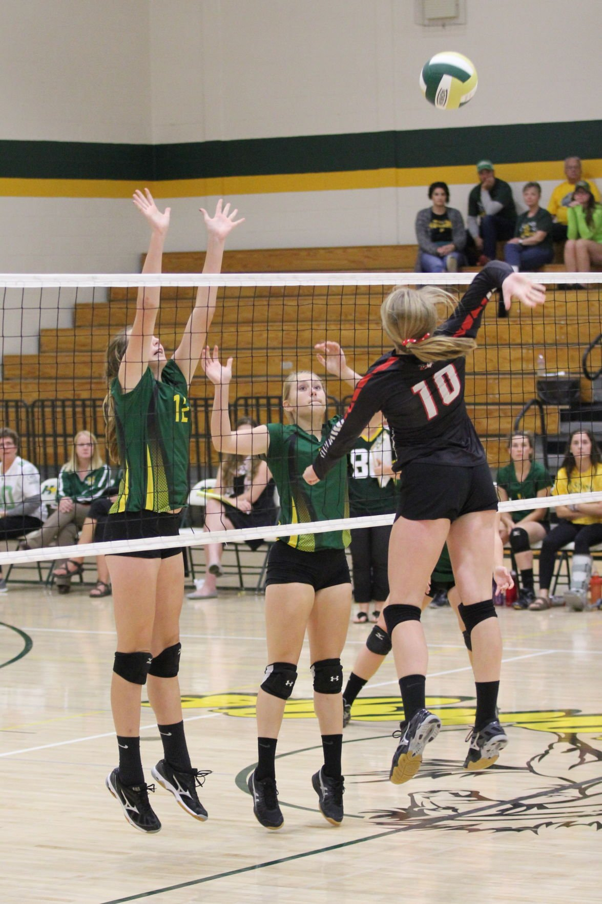 Hornets Volleyball falls to Mel-Min and Immanuel