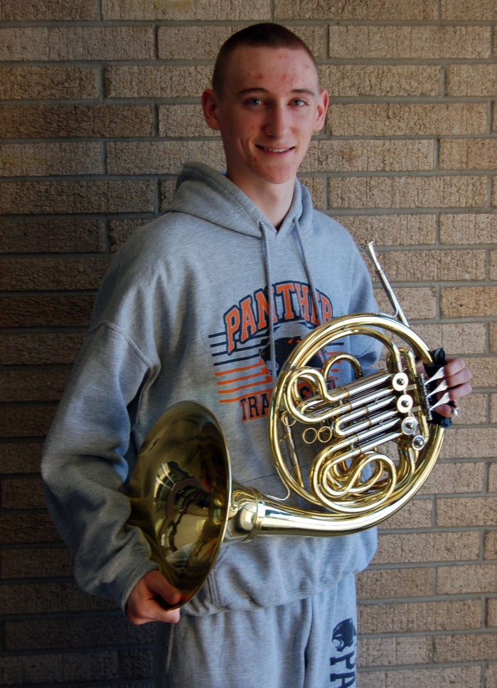French horn player in elite company : Couleenews