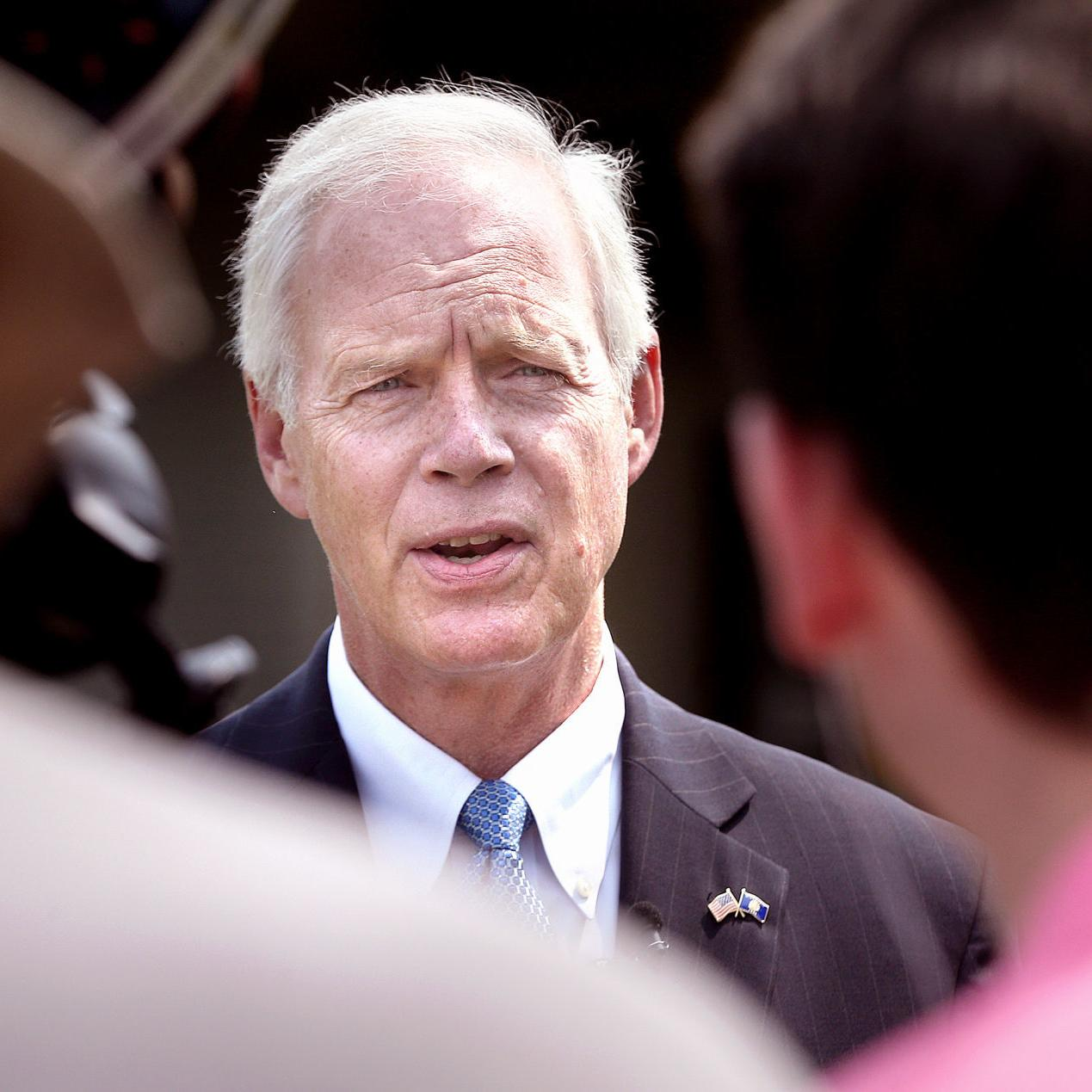 In Onalaska, Sen  Ron Johnson champions secure border, immigration
