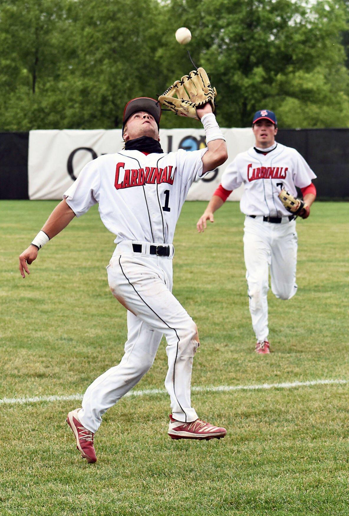 WIAA state baseball photo: Sun Prairie's Carson Shepard makes a catch